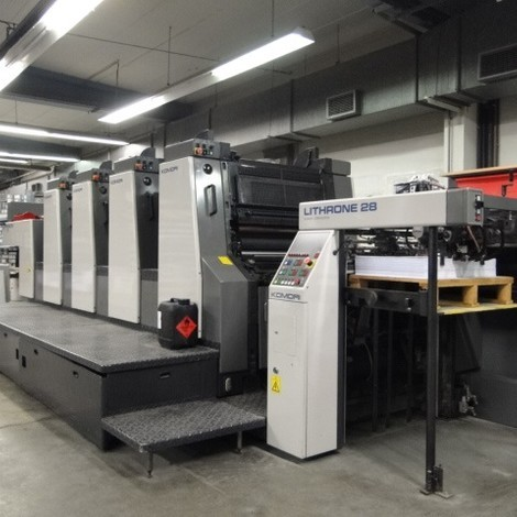 KOMORI L 428 EM Lithrone 2002Colours : 4 Size : 52 x 74 cmAge : 2002 Impression Count : 45 mioEquipment : S-APC - semi auto plate change - AMR Automatic Make Ready for Paper Thickness - PQC Console with Plate Cylinder Cocking and KM