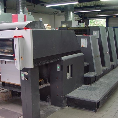 Used very clean HEIDELBERG CD 74-4 Lfour color offset printing machine for sale. Colours : 4 Coater Size : 52 x 74 cm Age : 2004 Impression Count : 42 mio